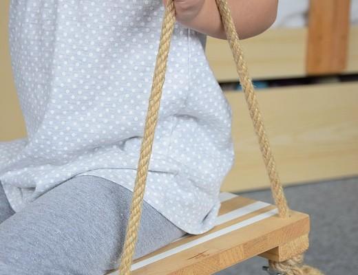 Jednoduchá DIY dřevěná houpačka