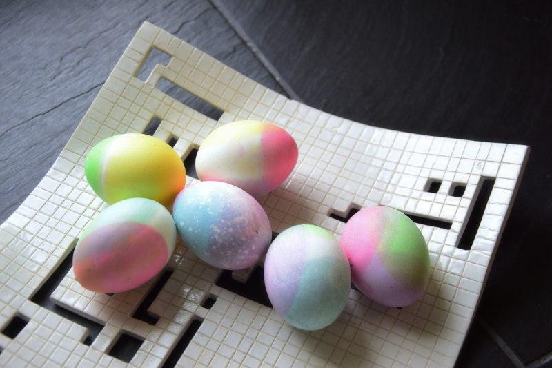velikonocni-barveni-vajec-potravinarske-barvy-tamarki-1