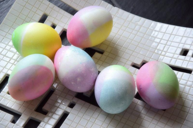 velikonocni-barveni-vajec-potravinarske-barvy-tamarki-4