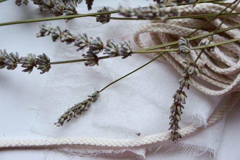 diy-vyuziti-levandule-pytlicky-proti-molum-aromaterapie-vonne-tamarki-11