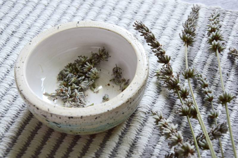 diy-vyuziti-levandule-pytlicky-proti-molum-aromaterapie-vonne-tamarki-3