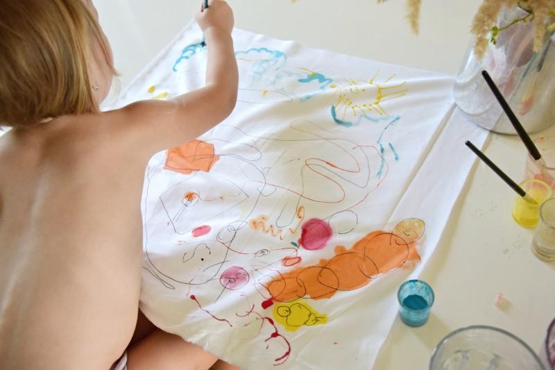 jak-zabavit-deti-malovany-polstar-diy-barva-textil-tamarki-5