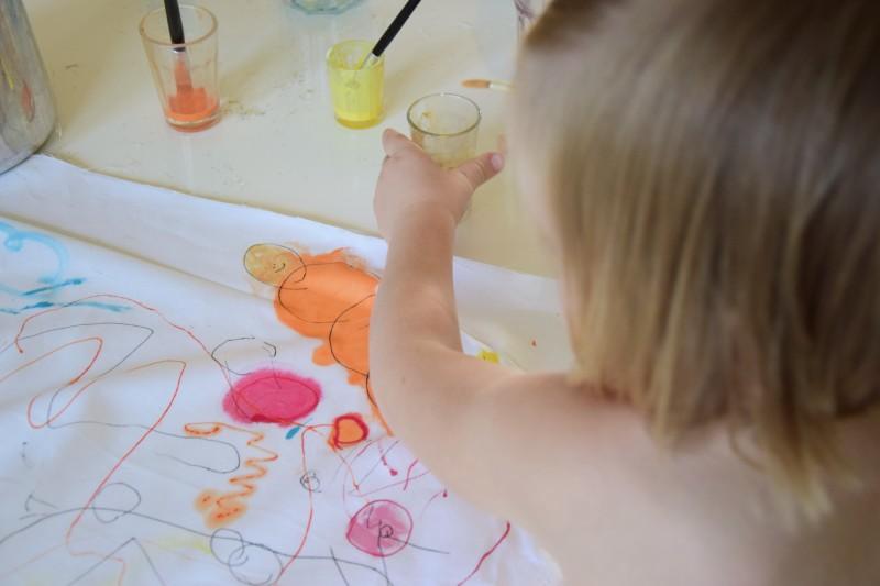 jak-zabavit-deti-malovany-polstar-diy-barva-textil-tamarki-7