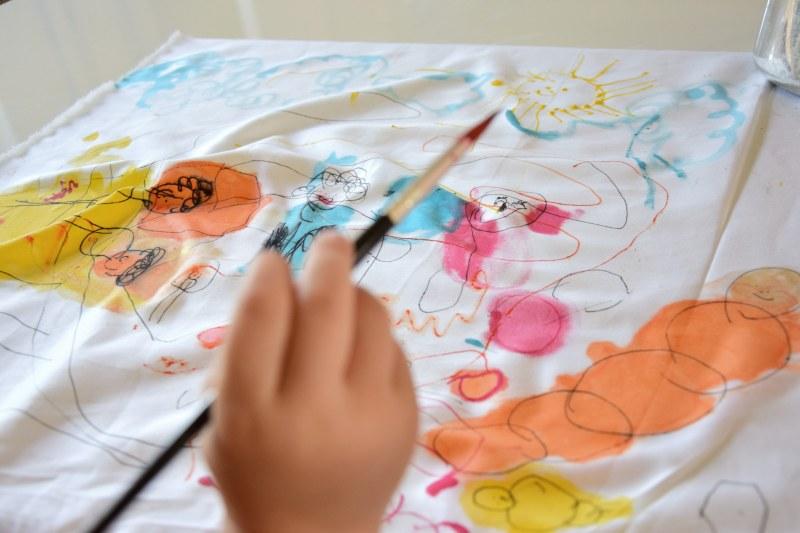 jak-zabavit-deti-malovany-polstar-diy-barva-textil-tamarki-9
