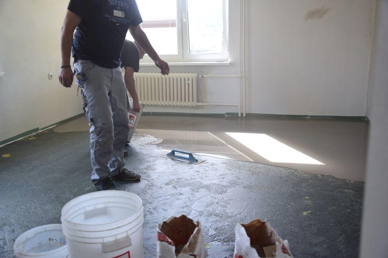 demontaz-parket-nivelace-betonovani-podlah-penetrace-diletacni-spary-tamarki-16