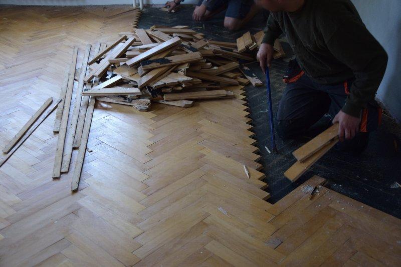 demontaz-parket-nivelace-betonovani-podlah-tamarki-3