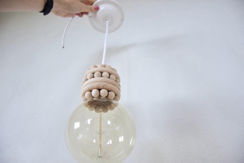 diy-lustr-stropni-svitidlo-lampa-vyroba-postup-navod-montaz-objimky-zapojeni-zarovky-tamarki-18