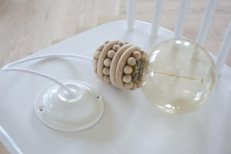 diy-lustr-stropni-svitidlo-lampa-vyroba-postup-navod-montaz-objimky-zapojeni-zarovky-tamarki-21