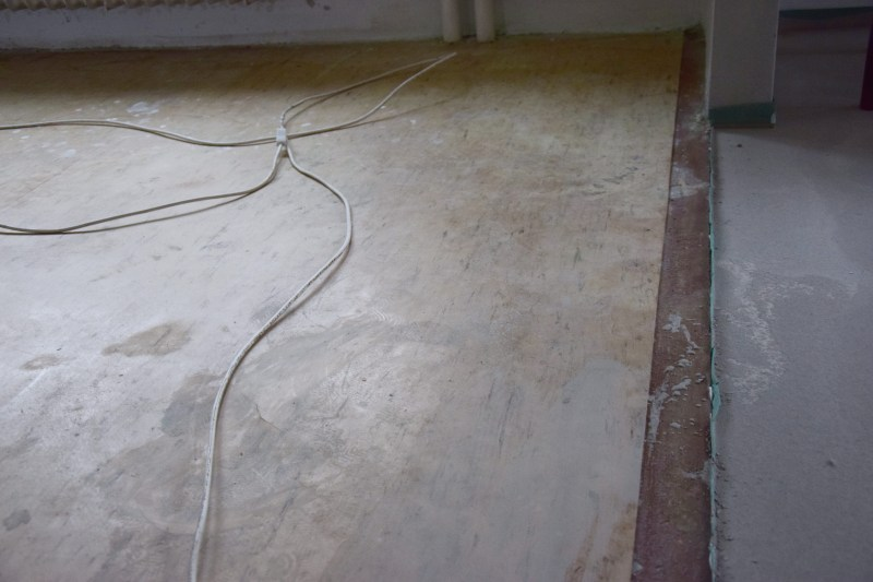 renovace-podlah-betonovani-nivelace-pokladka-parket-tamarki-1
