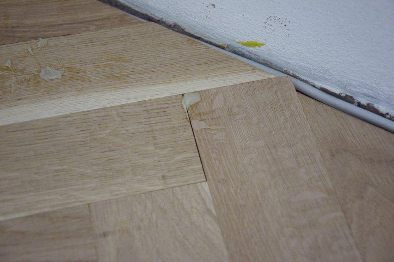 renovace-podlah-pokladka-parket-postup-lepeni-parkety-tamarki-15