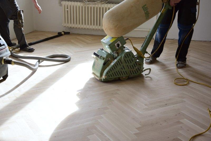 renovace-podlah-pokladka-parket-postup-lepeni-parkety-tamarki-20