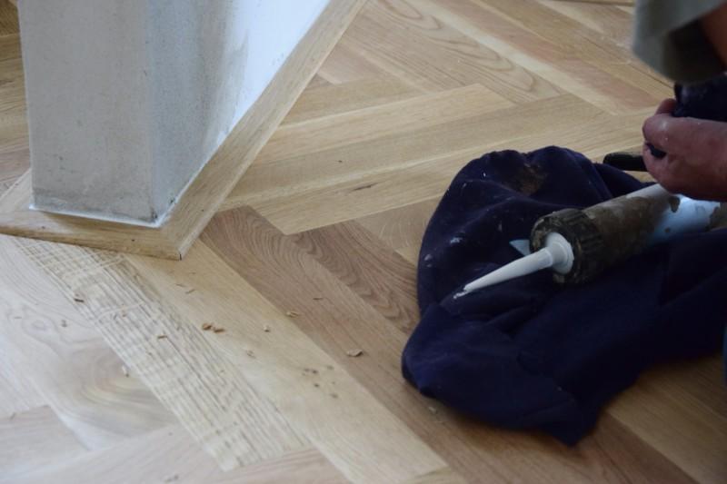 renovace-podlah-pokladka-parket-postup-lepeni-parkety-tamarki-22