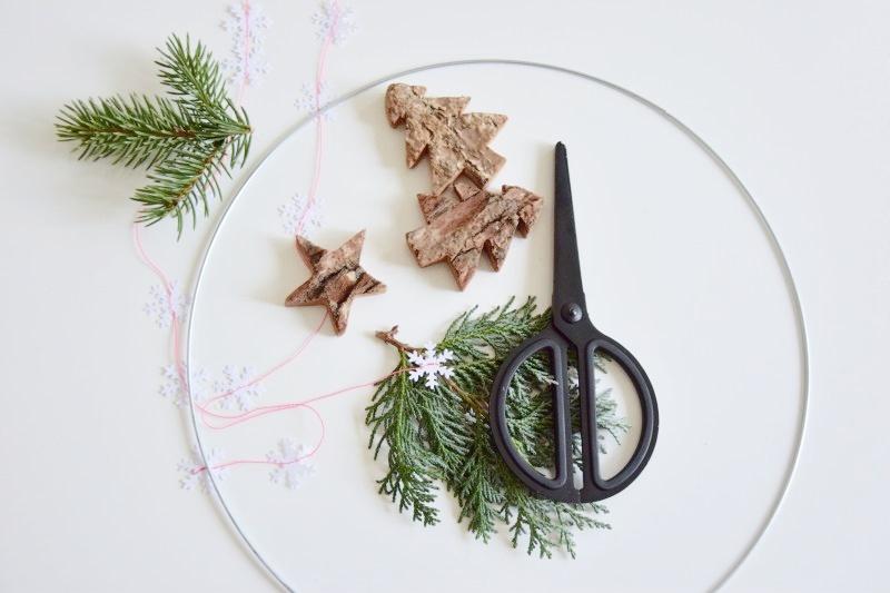 DIY vánoční dekorace - levitující kolotoč