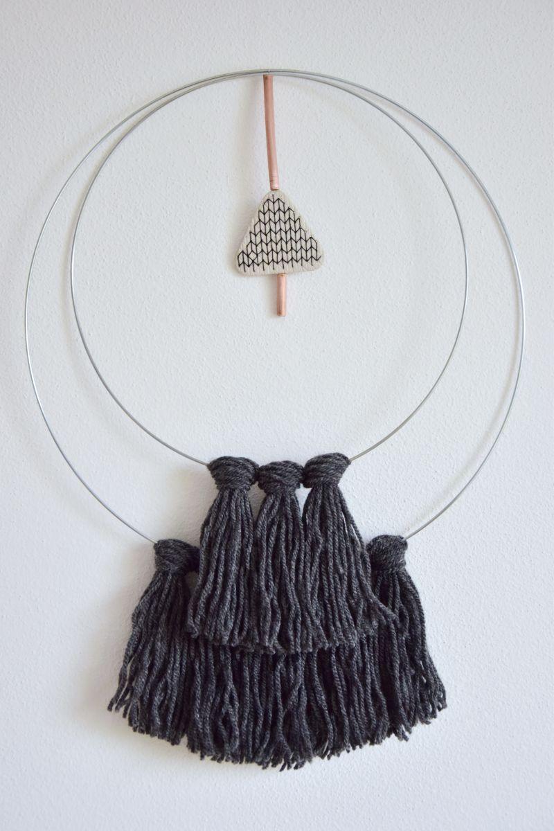 diy-vlnena-dekorace-weaving-walhanging-woven-decoration-plsteni-tamarki-10