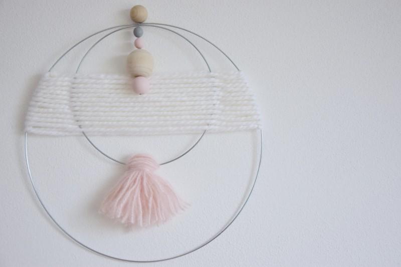 diy-vlnena-dekorace-weaving-walhanging-woven-decoration-plsteni-tamarki-5