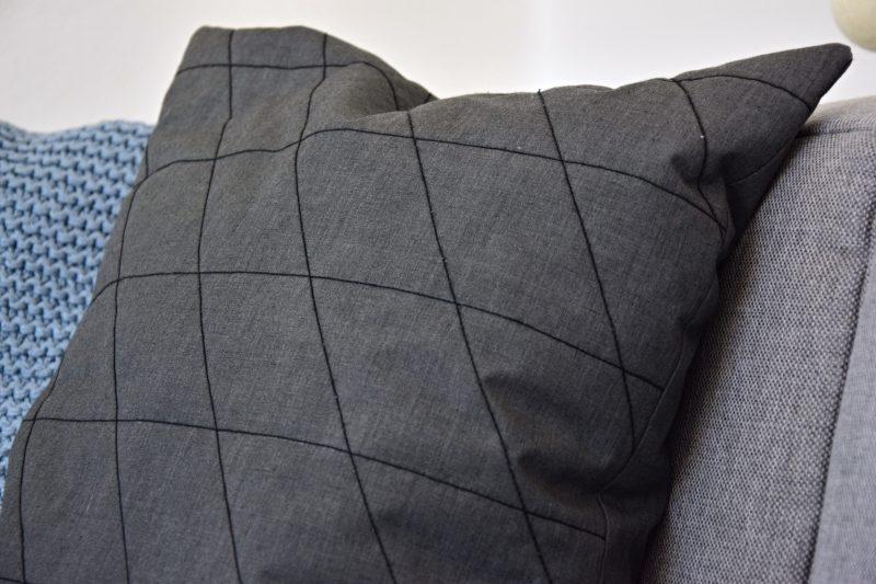 moderni-rohova-sedaci-souprava-recenze-diy-dekorativni-polstar-tamarki-6