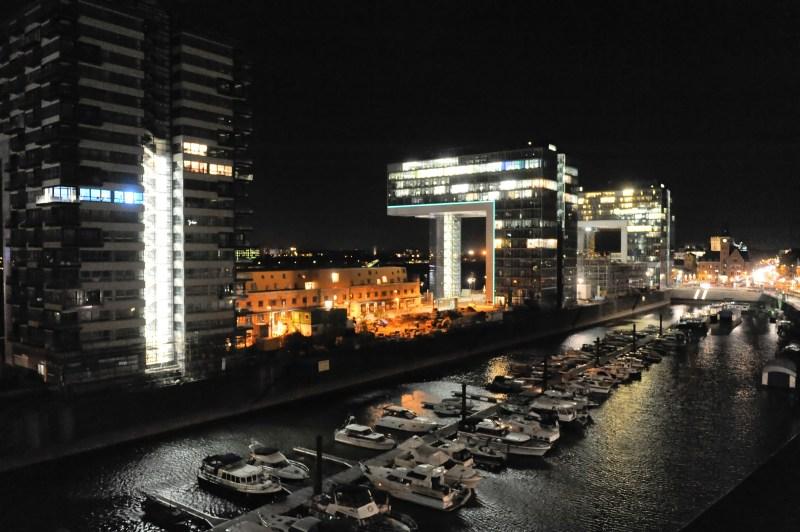 Kranhäuser am Rhein, Abendstimmung