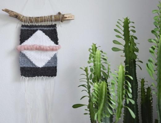DIY tkací rámeček na vlněné dekorace