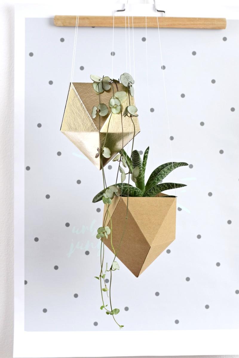 https://shop.tamarki.cz/kvetinace/zavesny-kvetinac-diamond/
