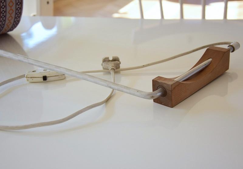 DIY nástěnná lampa ze staré veteše