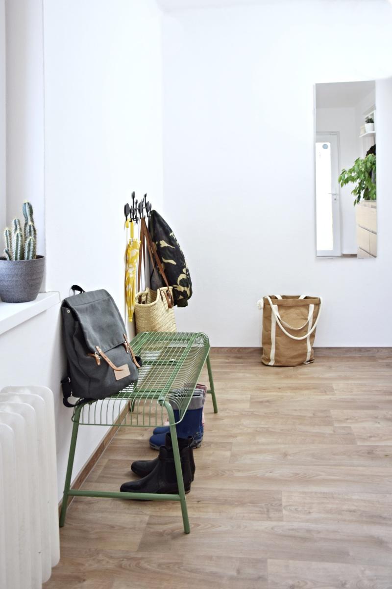 IKEA hack - drátěná lavička do chodby